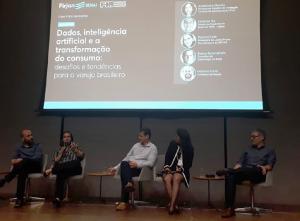 Evento no Rio discute como os dados e a inteligência artificial estão transformando o consumo no varejo.