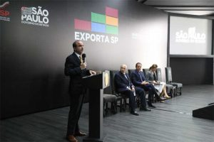 Governo de SP lança programa para capacitar exportadores